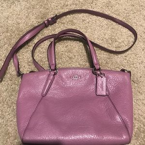 Coach sling bag in pink. Size small